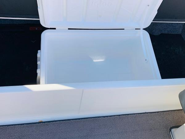 2019 Malibu boat for sale, model of the boat is Wakesetter 22 LSV & Image # 27 of 46