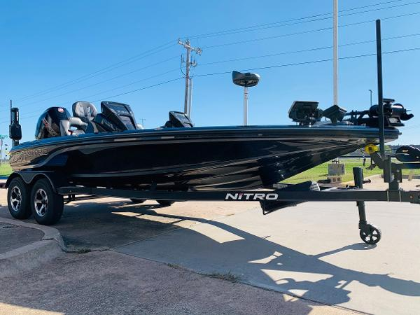 2021 Nitro boat for sale, model of the boat is Z20 Pro & Image # 3 of 45