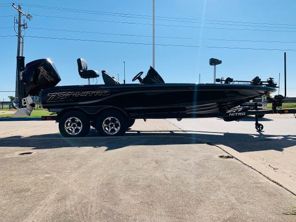 2021 Nitro boat for sale, model of the boat is Z20 Pro & Image # 4 of 45