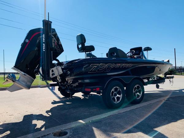 2021 Nitro boat for sale, model of the boat is Z20 Pro & Image # 5 of 45