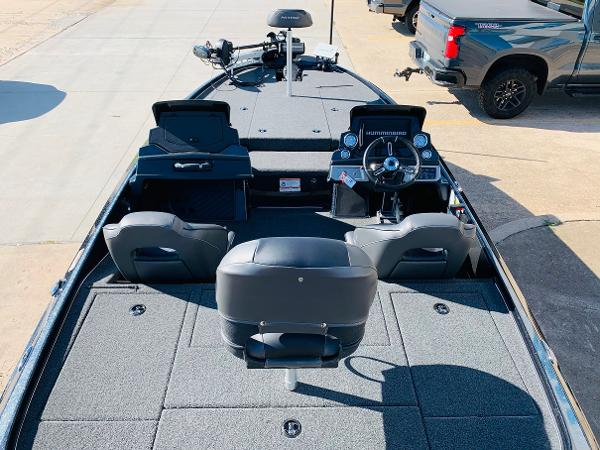 2021 Nitro boat for sale, model of the boat is Z20 Pro & Image # 11 of 45