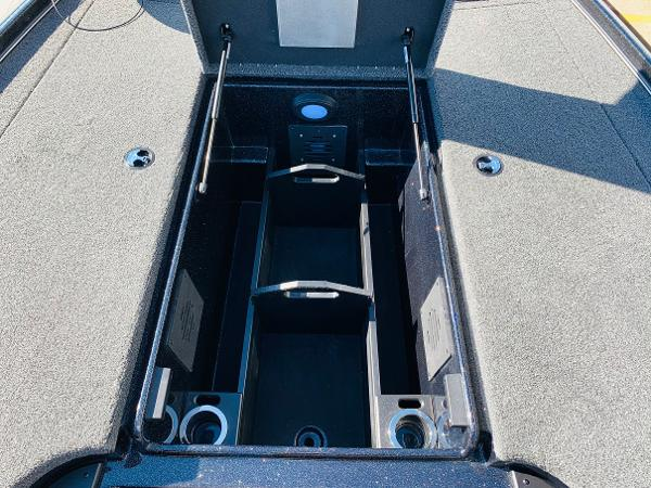 2021 Nitro boat for sale, model of the boat is Z20 Pro & Image # 18 of 45
