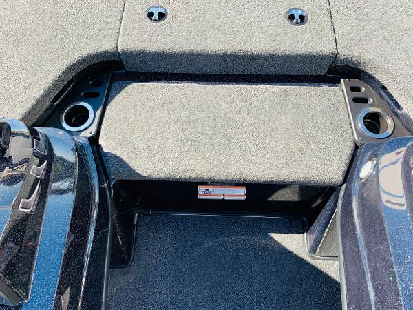 2021 Nitro boat for sale, model of the boat is Z20 Pro & Image # 20 of 45