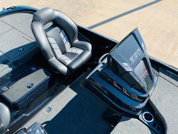 2021 Nitro boat for sale, model of the boat is Z20 Pro & Image # 24 of 45