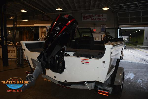 2021 Lund boat for sale, model of the boat is 1775 Crossover XS Sport & Image # 4 of 9