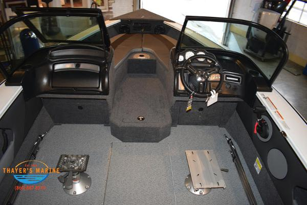 2021 Lund boat for sale, model of the boat is 1775 Crossover XS Sport & Image # 7 of 9