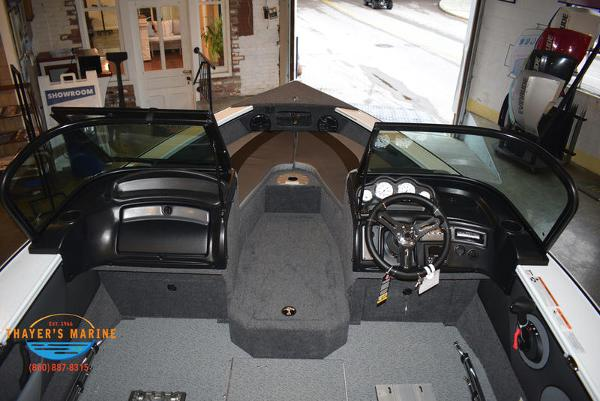 2021 Lund boat for sale, model of the boat is 1775 Crossover XS Sport & Image # 8 of 9
