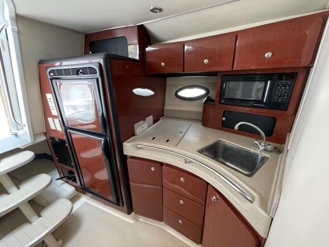 M 6115 JB Knot 10 Yacht Sales