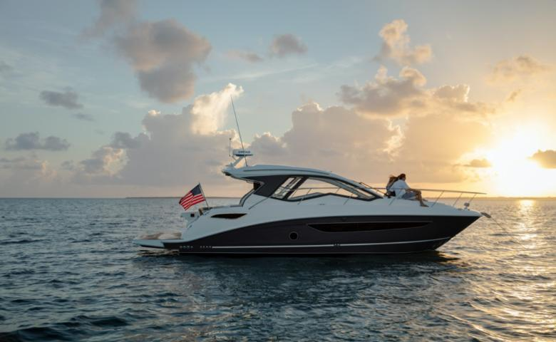 2021 Sea Ray Sundancer 350 Coupe #2454814 primary image