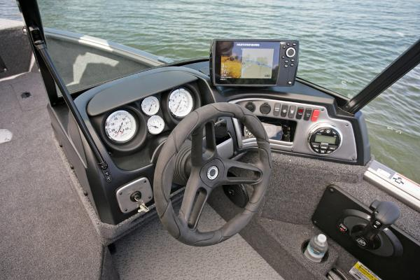 2021 Lund boat for sale, model of the boat is 1675 Impact XS & Image # 7 of 21