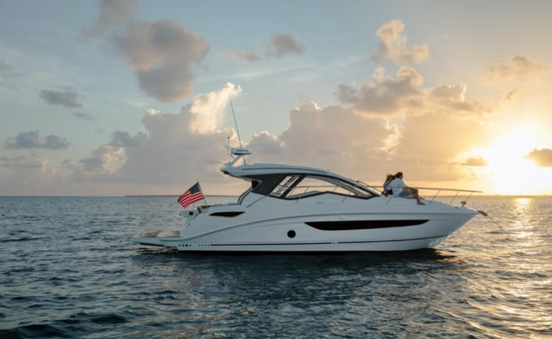 2021 Sea Ray Sundancer 350 Coupe #2454815 primary image