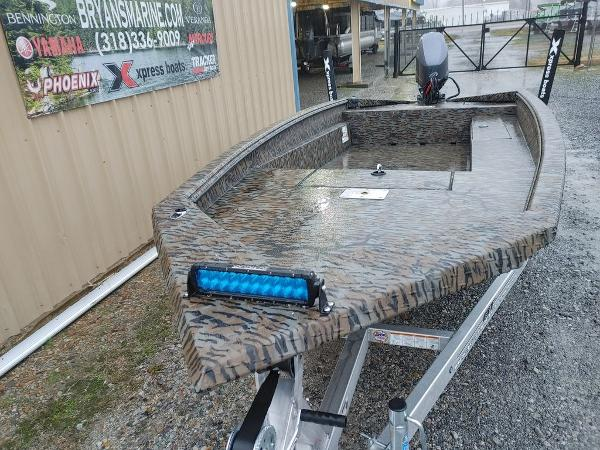 2021 Xpress boat for sale, model of the boat is H18DB & Image # 6 of 15
