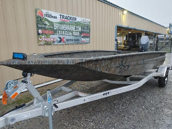 2021 Xpress boat for sale, model of the boat is H18DB & Image # 9 of 15