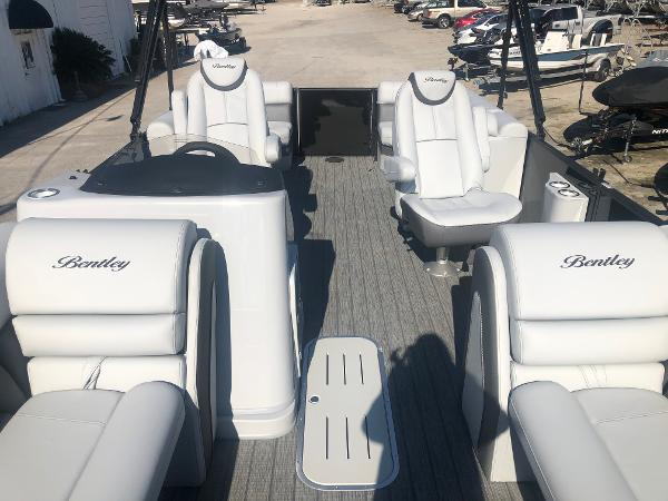 2021 Bentley boat for sale, model of the boat is Elite 223 Admiral (Full Tube) & Image # 10 of 35
