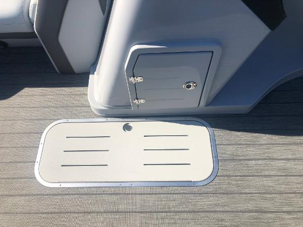 2021 Bentley boat for sale, model of the boat is Elite 223 Admiral (Full Tube) & Image # 19 of 35