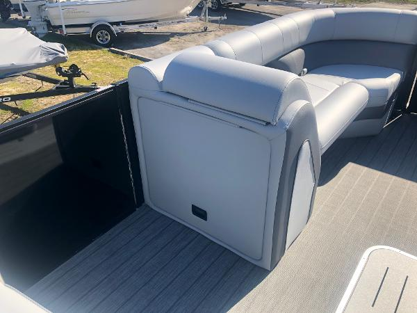 2021 Bentley boat for sale, model of the boat is Elite 223 Admiral (Full Tube) & Image # 22 of 35