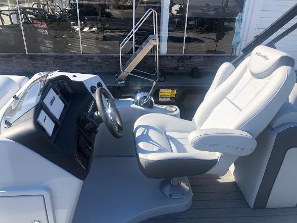 2021 Bentley boat for sale, model of the boat is Elite 223 Admiral (Full Tube) & Image # 24 of 35