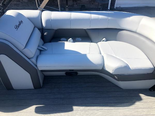2021 Bentley boat for sale, model of the boat is Elite 223 Admiral (Full Tube) & Image # 31 of 35