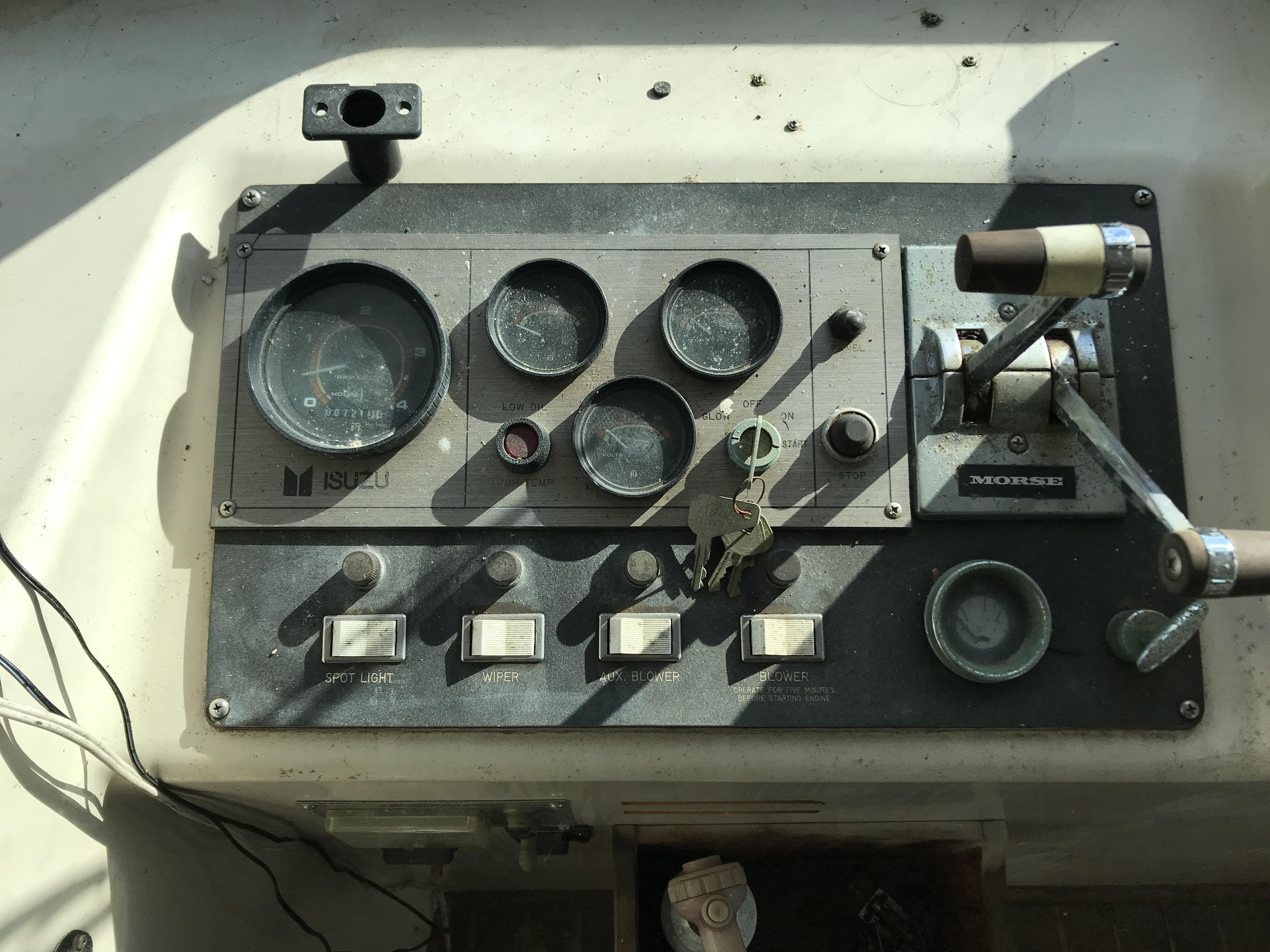 Carri-craft 57-ft Power Catamaran - starboard engine controls