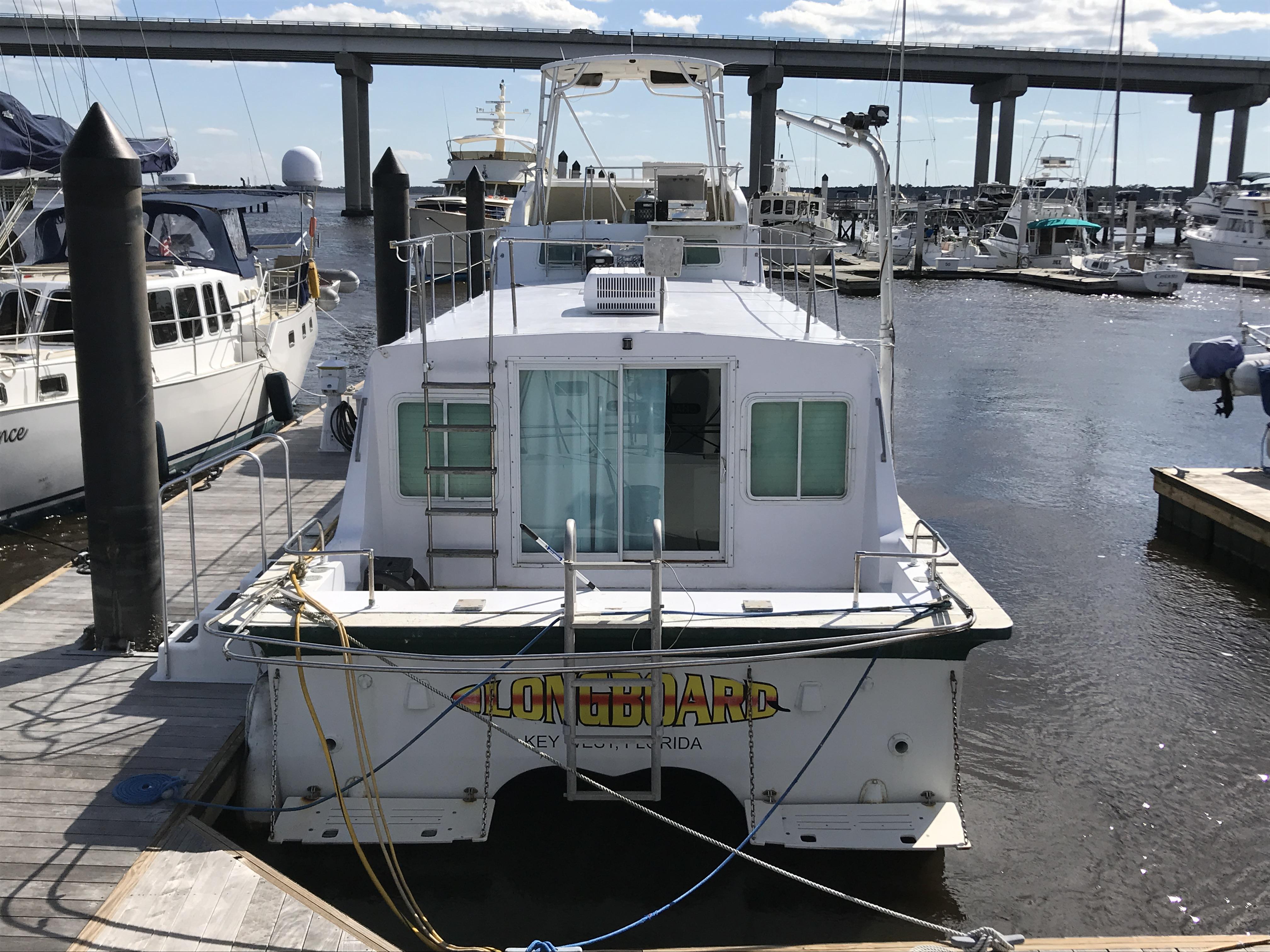 Carri-craft 57-ft Power Catamaran - Carri-craft stern