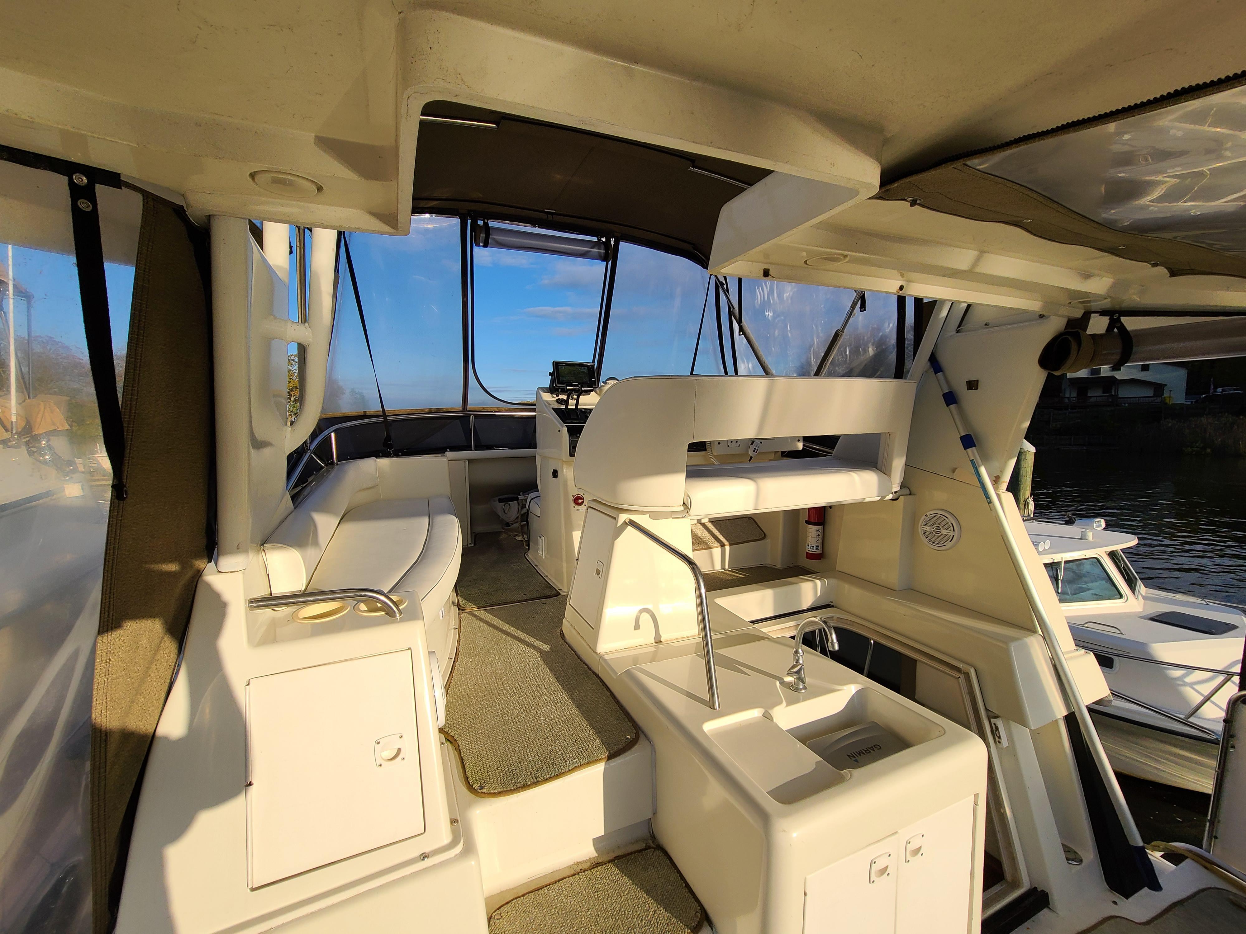 M 5826 DD Knot 10 Yacht Sales