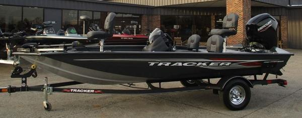 2021 Tracker Boats boat for sale, model of the boat is Pro Team 175 TF® & Image # 1 of 8
