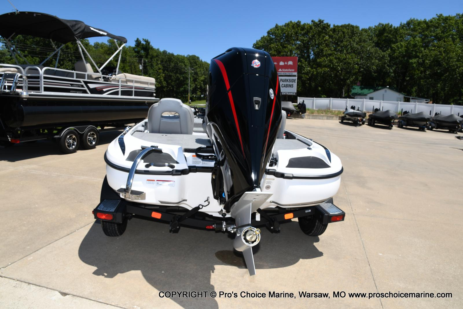 2021 Nitro boat for sale, model of the boat is Z18 Pro Package & Image # 29 of 50