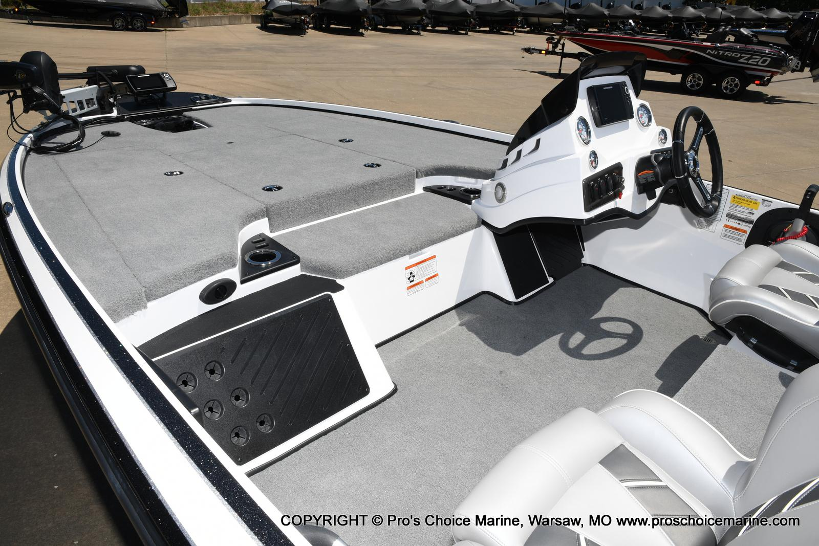 2021 Nitro boat for sale, model of the boat is Z18 Pro Package & Image # 44 of 50