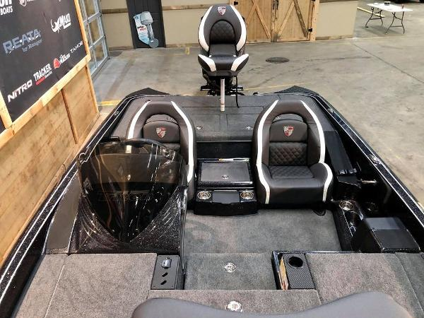 2021 Triton boat for sale, model of the boat is 189 TRX & Image # 2 of 19