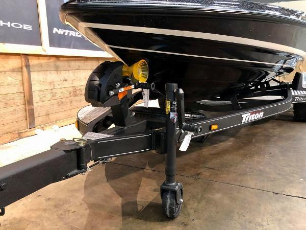 2021 Triton boat for sale, model of the boat is 189 TRX & Image # 8 of 19