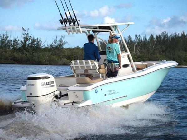 2021 Pioneer boat for sale, model of the boat is Islander 222 & Image # 3 of 9