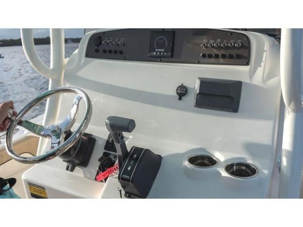 2021 Pioneer boat for sale, model of the boat is Islander 222 & Image # 4 of 9