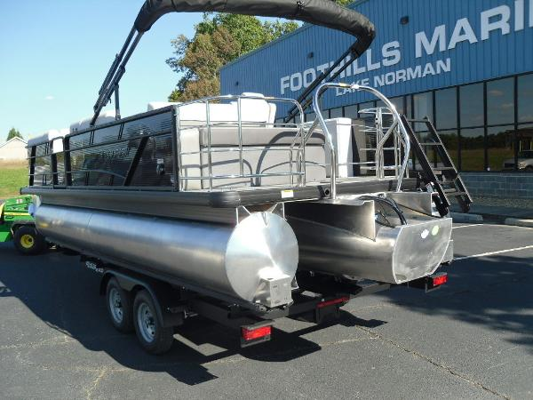 2021 Godfrey Pontoon boat for sale, model of the boat is SW 2286 SFL GTP 27 in. & Image # 5 of 25