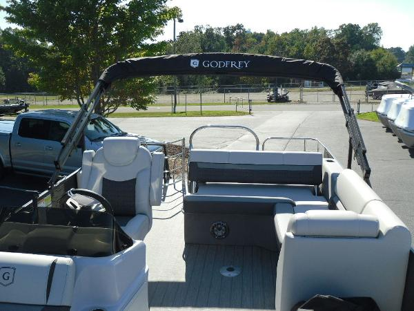 2021 Godfrey Pontoon boat for sale, model of the boat is SW 2286 SFL GTP 27 in. & Image # 12 of 25