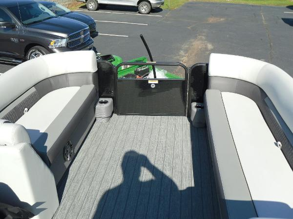 2021 Godfrey Pontoon boat for sale, model of the boat is SW 2286 SFL GTP 27 in. & Image # 13 of 25
