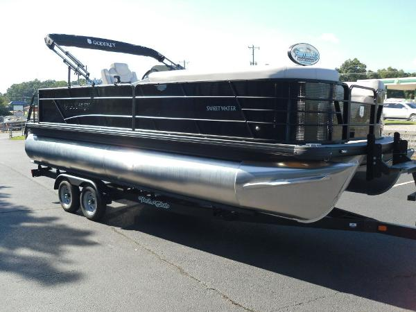 2021 Godfrey Pontoon boat for sale, model of the boat is SW 2286 SFL GTP 27 in. & Image # 15 of 25