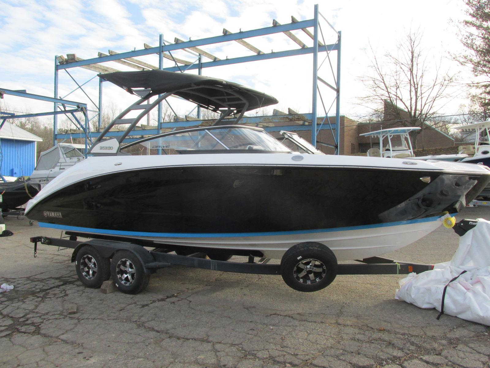 Yamaha Boats 252SD