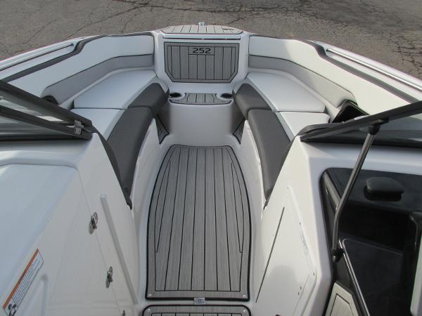2021 Yamaha boat for sale, model of the boat is 252SD & Image # 9 of 50