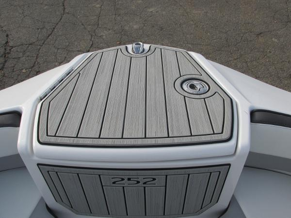 2021 Yamaha boat for sale, model of the boat is 252SD & Image # 14 of 50