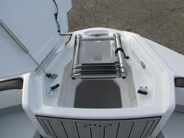 2021 Yamaha boat for sale, model of the boat is 252SD & Image # 15 of 50