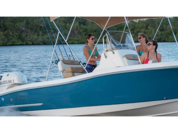 2021 Pioneer boat for sale, model of the boat is ISLANDER 202 & Image # 3 of 5