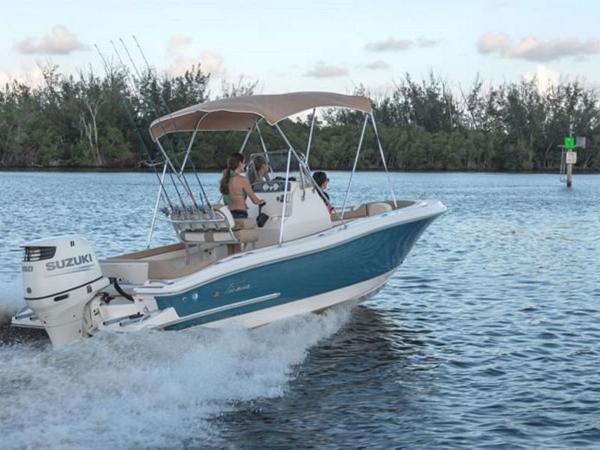 2021 Pioneer boat for sale, model of the boat is ISLANDER 202 & Image # 5 of 5