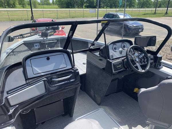 2017 Smoker Craft boat for sale, model of the boat is Explorer 182 & Image # 4 of 15