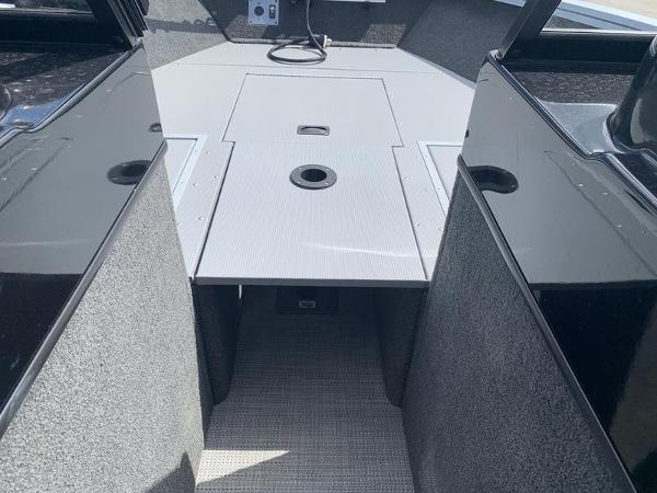 2017 Smoker Craft boat for sale, model of the boat is Explorer 182 & Image # 8 of 15