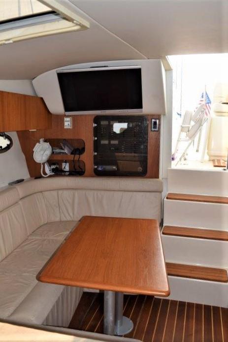 V 5750 RZ Knot 10 Yacht Sales