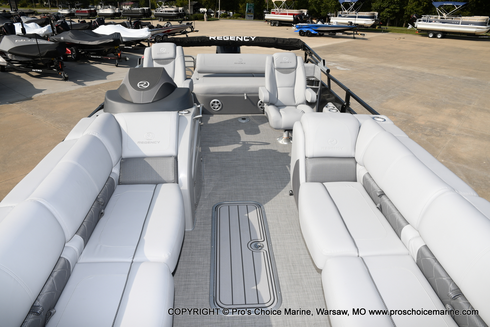 2021 Regency boat for sale, model of the boat is 250 LE3 Sport w/350HP Verado & Image # 2 of 50