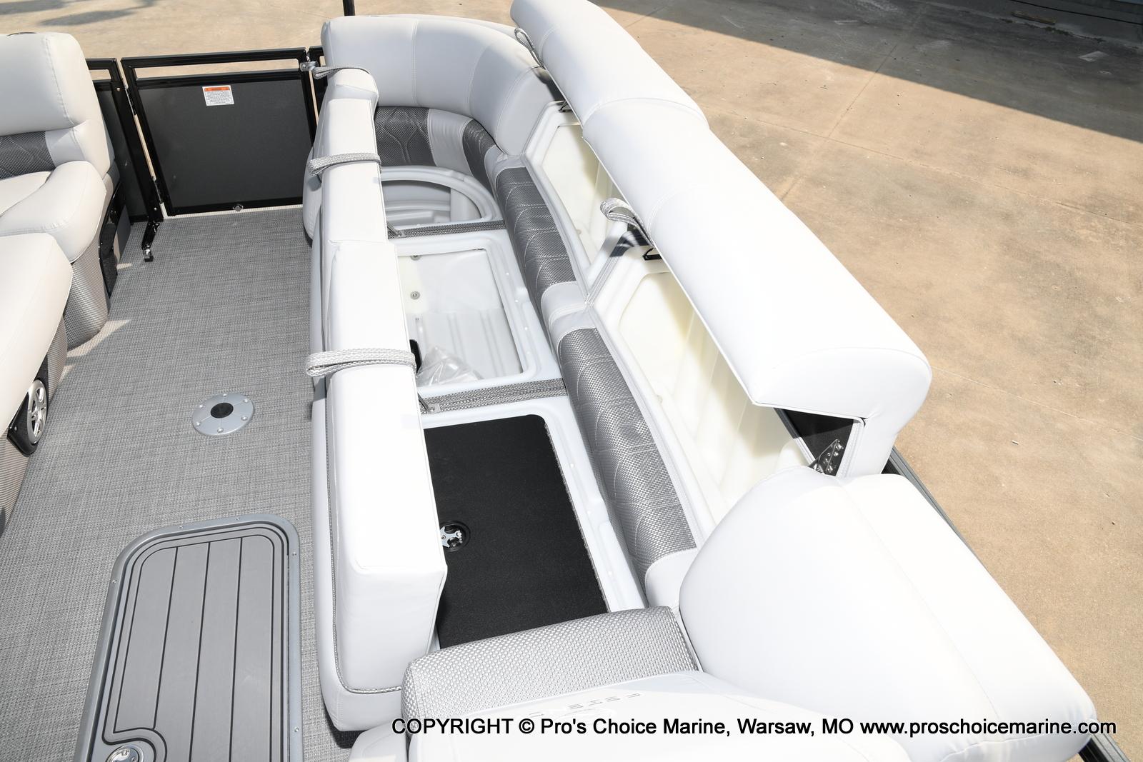 2021 Regency boat for sale, model of the boat is 250 LE3 Sport w/350HP Verado & Image # 10 of 50