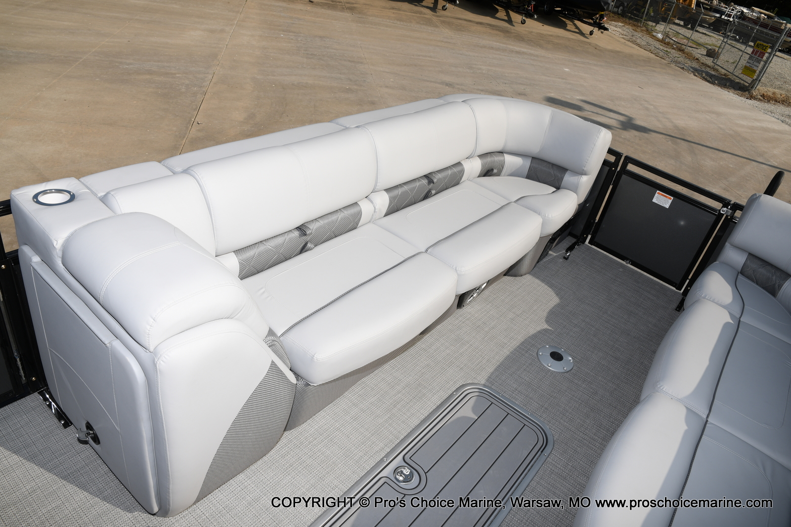2021 Regency boat for sale, model of the boat is 250 LE3 Sport w/350HP Verado & Image # 11 of 50