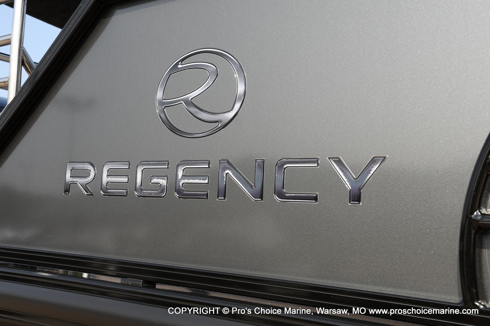 2021 Regency boat for sale, model of the boat is 250 LE3 Sport w/350HP Verado & Image # 14 of 50