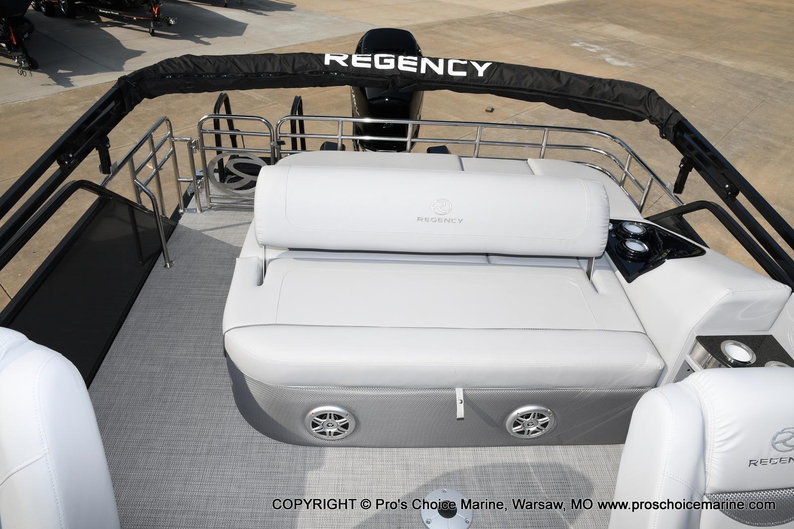 2021 Regency boat for sale, model of the boat is 250 LE3 Sport w/350HP Verado & Image # 20 of 50